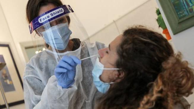 Accordo tra Regione siciliana e farmacie per effettuare tamponi