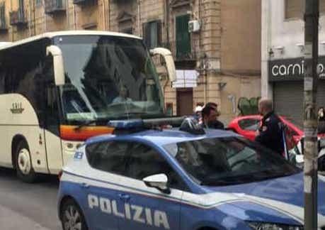 Rapina in un'agenzia di assicurazioni a Palermo:preso un bandito