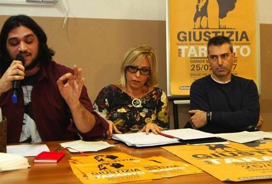 """""""Giustizia per Taranto"""", un migliaio a corteo ambientalista"""
