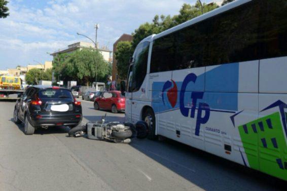 Taranto, agente di polizia municipale muore in un incidente stradale