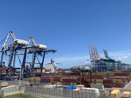 Iniziati al porto di Gioia Tauro i lavori della banchina di ponente