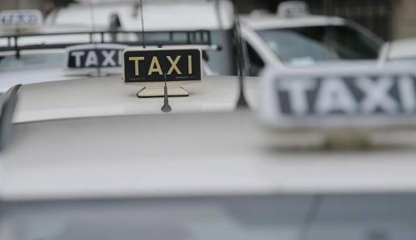 Prosegue la polemica dei taxi, assemblee a Roma e a Milano