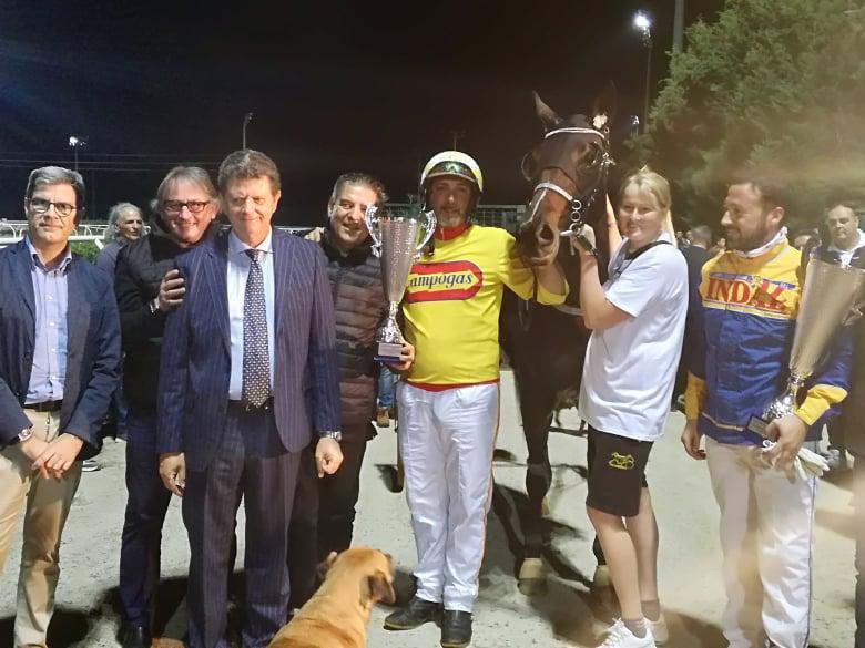 Trotto a Siracusa,  una Ua, Huka travolgente vince il Gran Premio Regione Sicilia