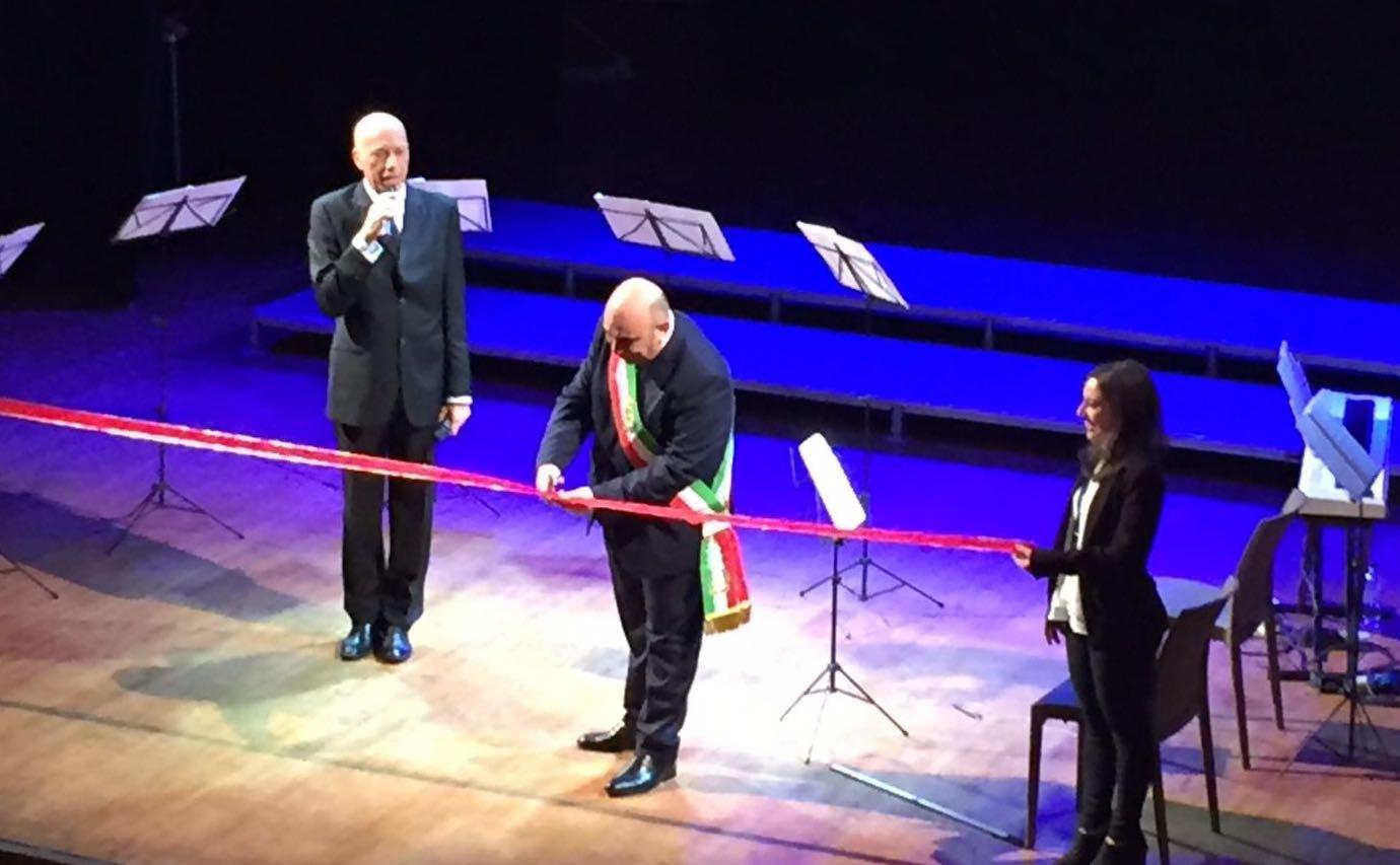Apre il Teatro  Massimo comunale di Siracusa, ed alla prima è sold out