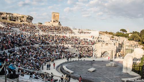 Giornata mondiale del rifugiato al Teatro greco di Siracusa