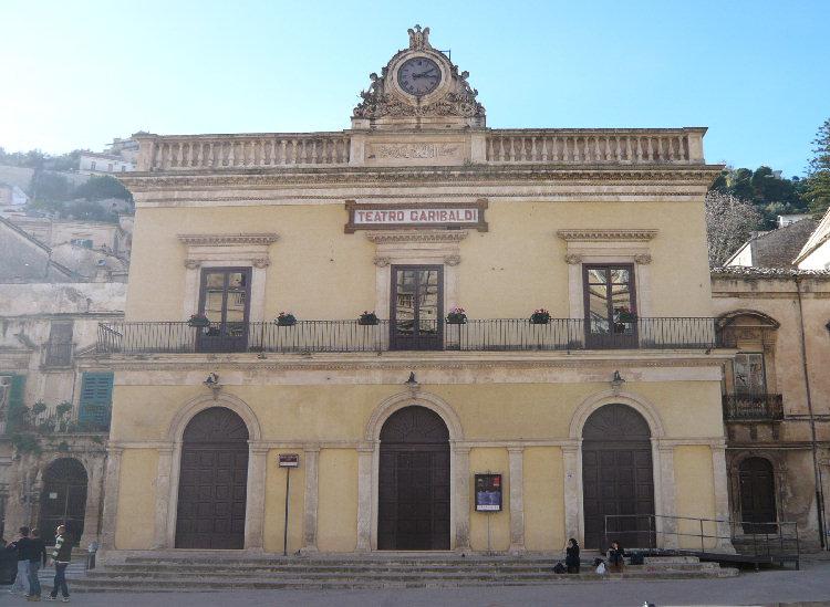 """Modica, celebrati al Teatro Garibaldi i 20 anni del """"Coro Polifonico Monteverdi"""""""