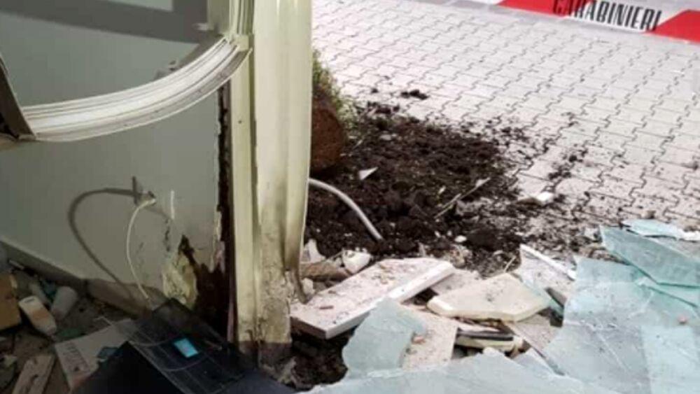 Fatta esplodere una bomba contro 'Tecnocasa' a San Severo