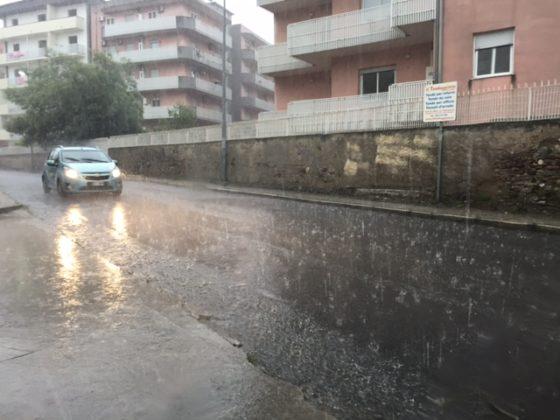 Maltempo a Reggio Calabria, allagamenti e disagi tra gli automobilisti