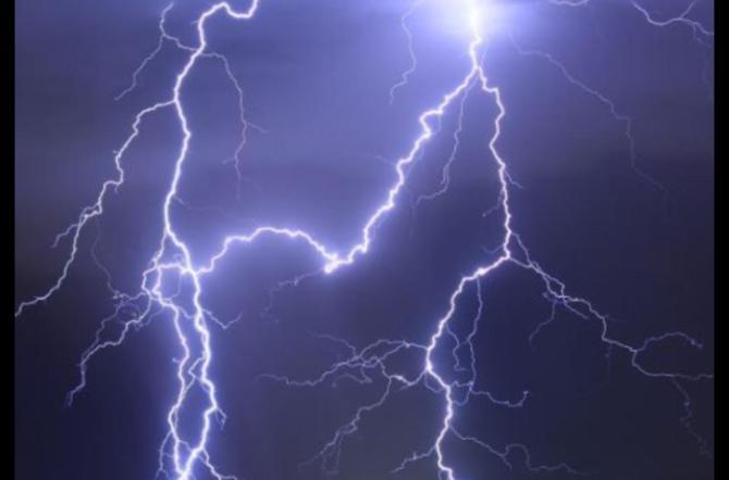 Domani piogge da Nord a Sud, nel pomeriggio previsti temporali in Sicilia orientale