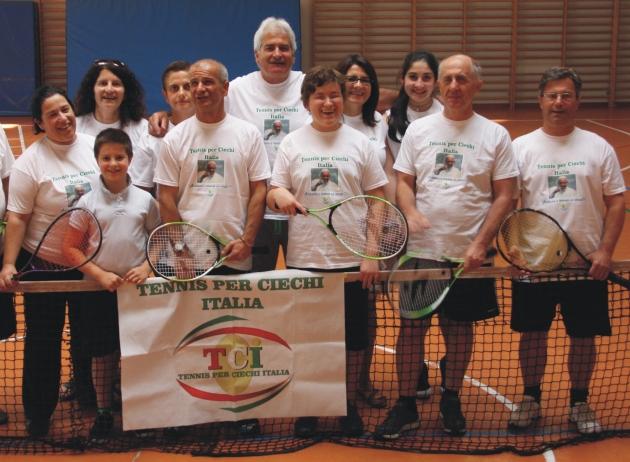 Il tennis per ciechi e ipovedenti: se uno smash vuol dire anche felicità