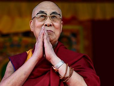 Tour siciliano per il Dalai Lama, poi vola in Toscana