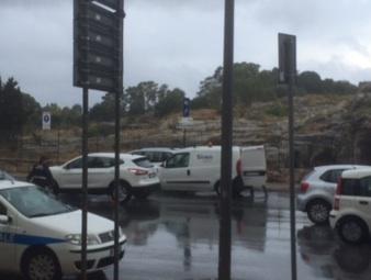 Un temporale si abbatte su Siracusa, strade allagate per la forte pioggia