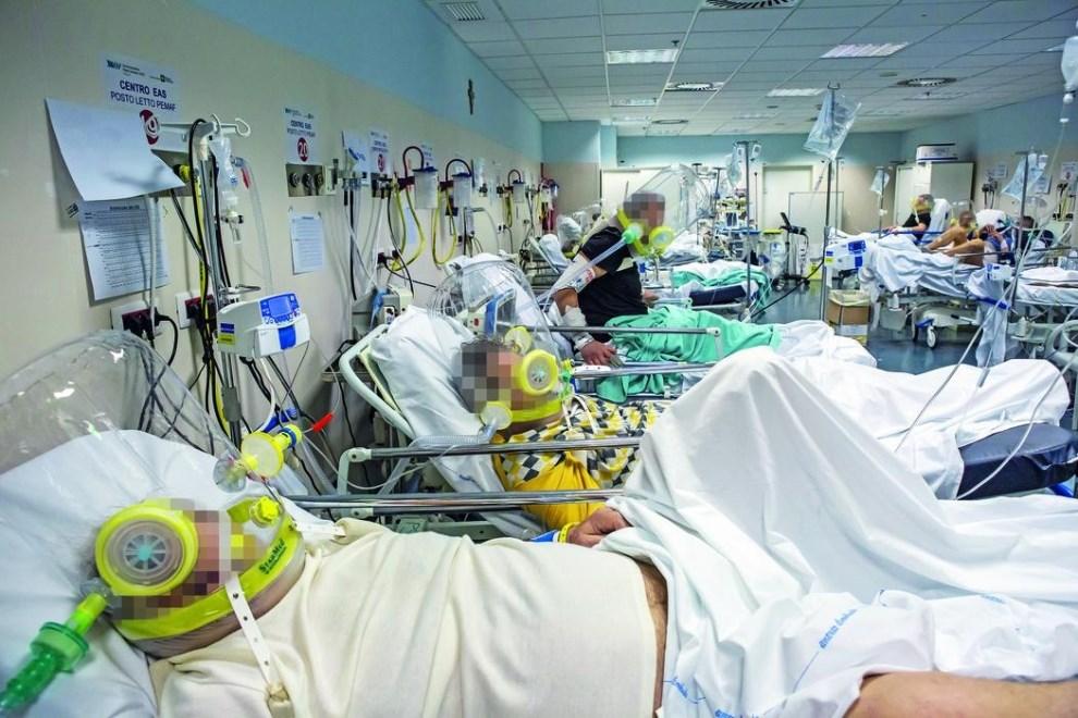Covid in Sicilia, 894 i nuovi casi e 22 decessi: a Catania 285 contagiati