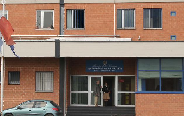 Arrestato il detenuto evaso dal carcere di Terni: rintracciato in un Autogrill
