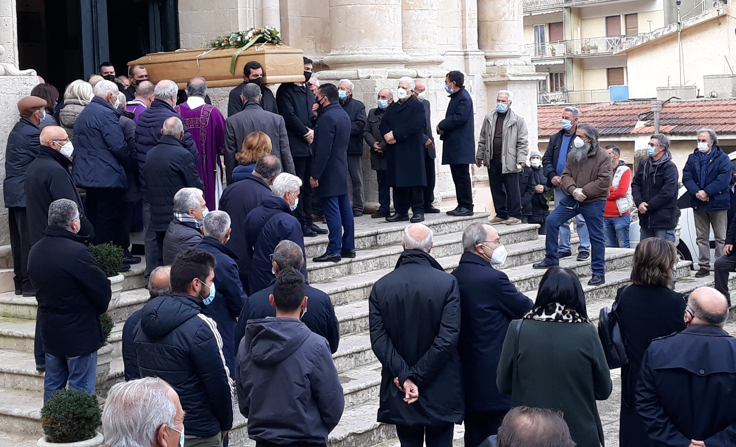 Modica, alla Madonna delle Grazie l'addio all'ex sindaco Pippo Terranova