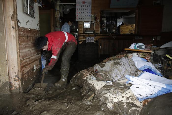 Bilancio tragico del tifone in Giappone, almeno 70 morti