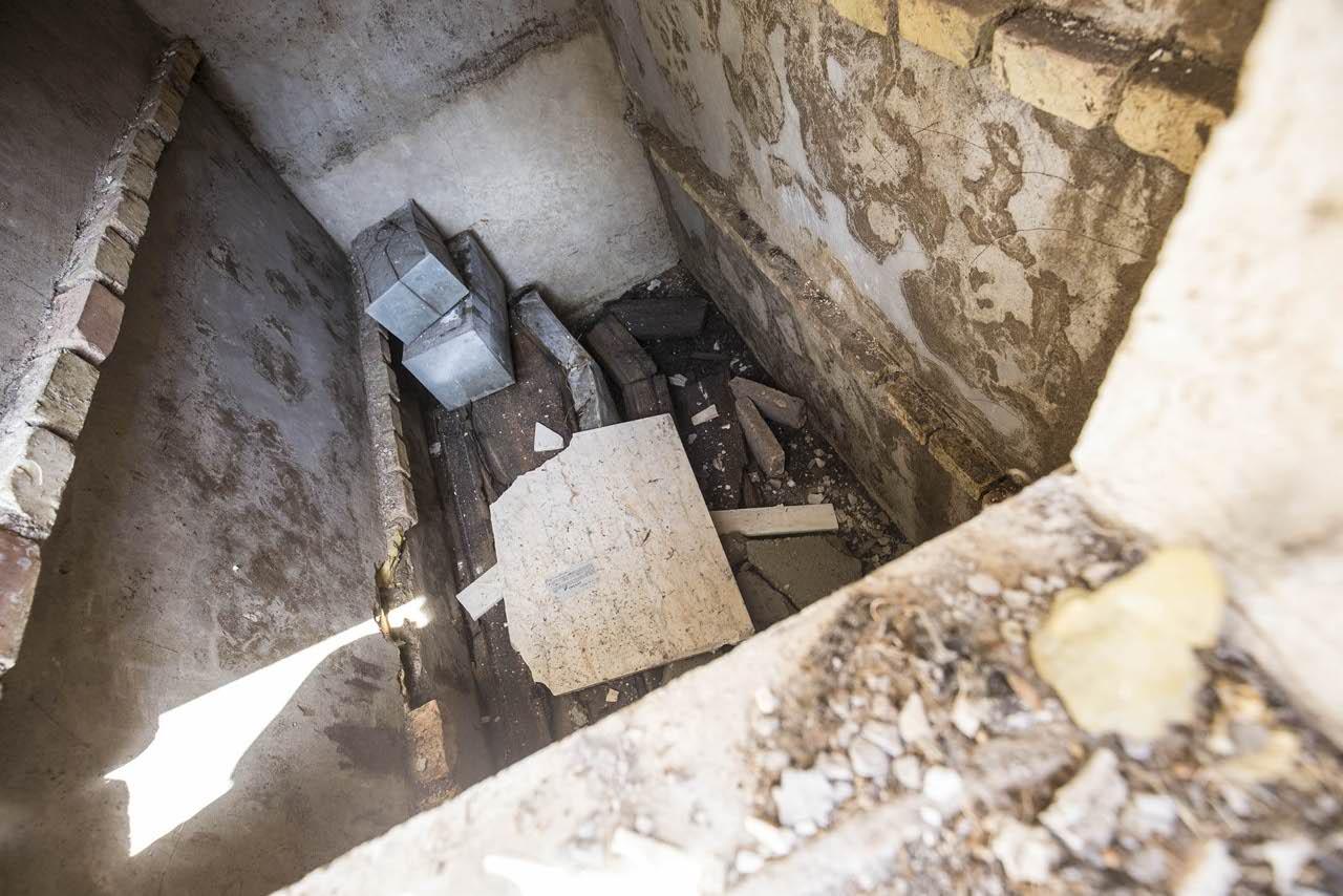 Tombe violate a Palermo per vendere i loculi, quattro arresti