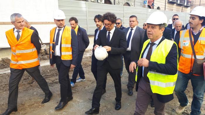 """Il ministro Toninelli ad Augusta: """" La Ragusa - Catania strada da fare"""""""