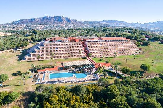 Apre albergo a Sciacca ed è boom di presenze: quattrocento vacanzieri