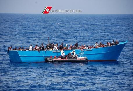 Sbarcati a Trapani 33 migranti arrivati dalla Tunisia
