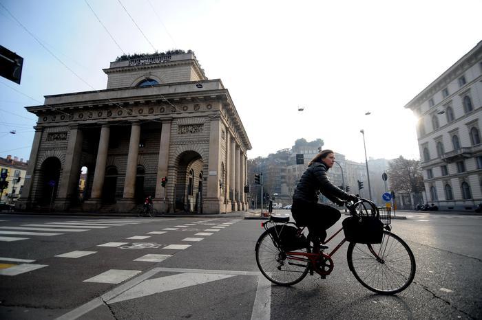 Smog, a Milano il blocco del traffico per le polveri sottili