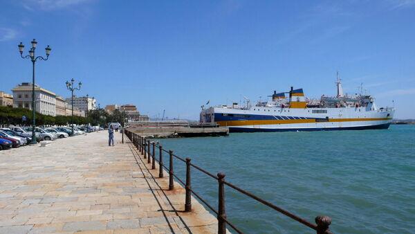 Muore sul traghetto nell'Agrigentino: disposta autopsia