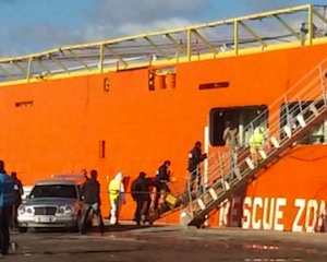 Lo sbarco di 723 migranti a Trapani, fermati sei presunti scafisti