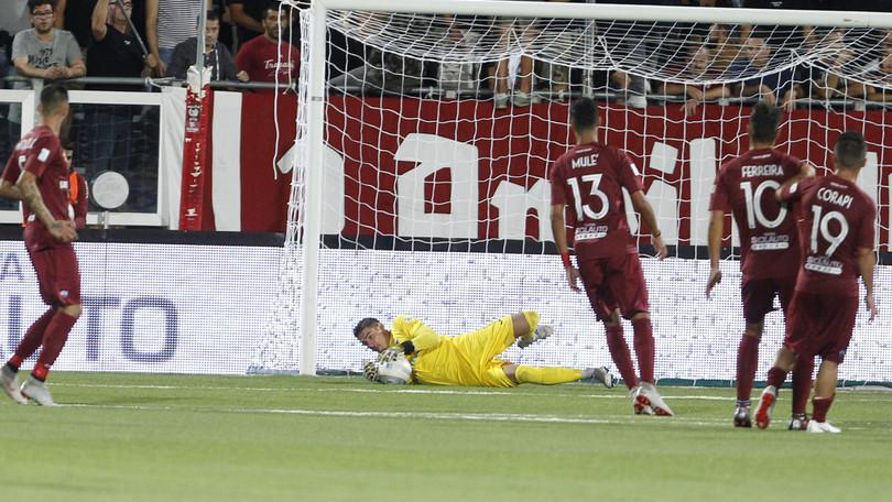 Il Trapani non surclassa il Siracusa, ma il derby lo vincono i granata ( 2 - 1)