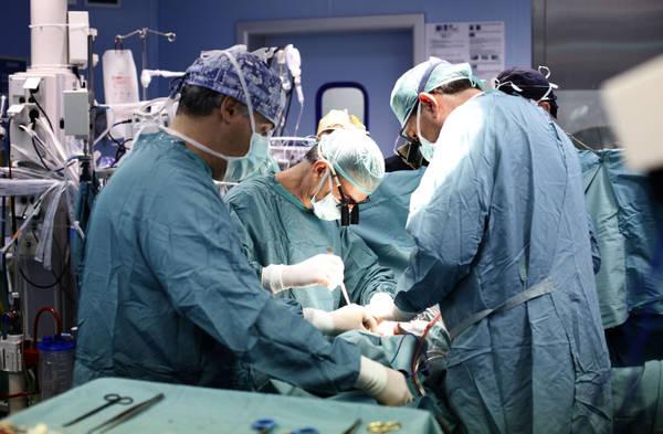 Trapianti: reni donati a due bimbe di Palermo, a una dalla mamma