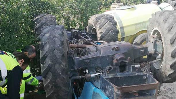 Mascali, si ribalta il trattore: morto un pensionato
