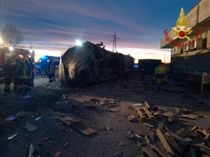 Deraglia il treno 'Frecciarossa' in provincia di Lodi: 2 morti e 27 feriti