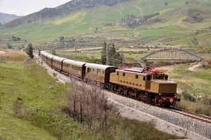 """Treni storici, Barbagallo: """"Escursionismo a misura d'uomo"""""""