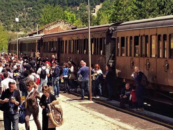 Tra Siracusa e Modica riparte il treno del barocco: ecco gli orari e le date