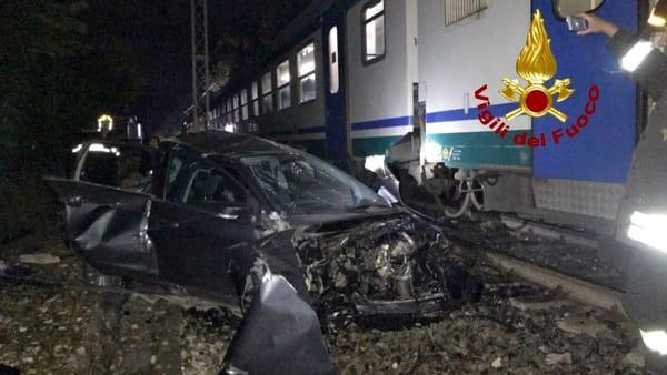 Treno travolge un'auto in contrada Zupparda a Noto, un morto ed un ferito