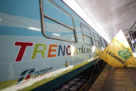 """Partito dalla Calabria il """"Treno Verde"""" per il 'Climate Change': arriverà in Liguria"""