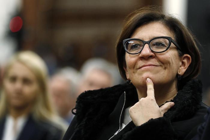 """L'ex ministra Trenta lascia la casa: """"Mio marito ha presentato la rinuncia dell'alloggio"""""""