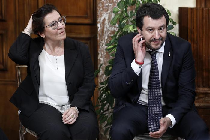 Alta tensione nel governo sulla sicurezza e sul 'caso Siri', Salvini insiste sulla castrazione chimica