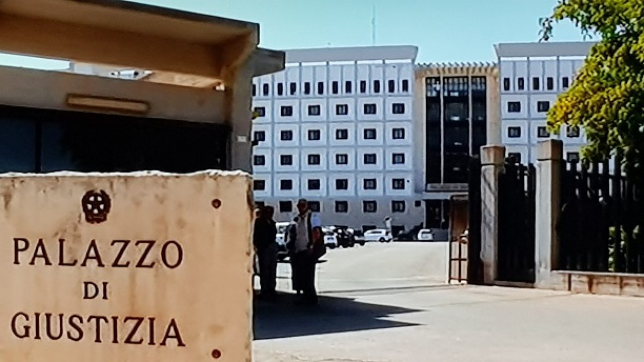 Mafia, estorsioni a Siracusa: due rinviati a giudizio De Carolis e Fortuna