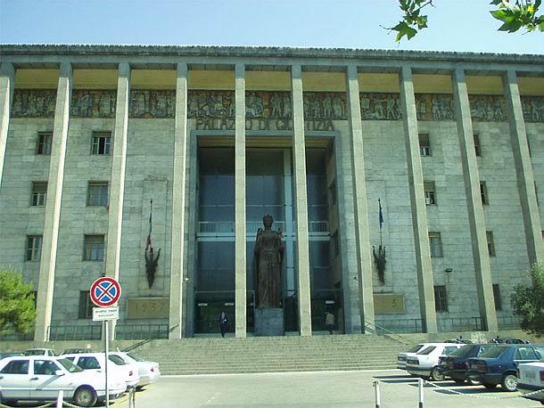 Il Palazzo di giustizia di Catania da due giorni senz'acqua: autoclave in tilt