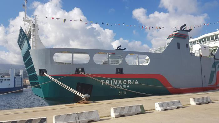 "Inaugurata a Messina la ""Trinacria"": è lunga 104 metri"