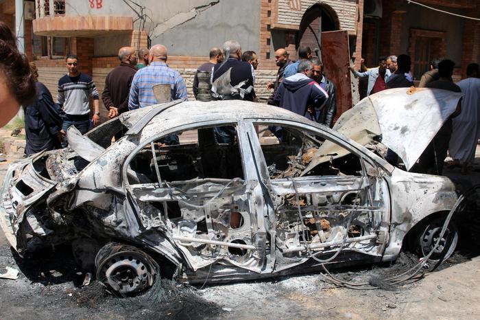 Libia, raid contro un collegio militare a Tripoli: almeno 70 vittime