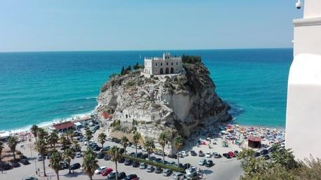 Il sindaco di Tropea chiude il porto turistico per Pasqua