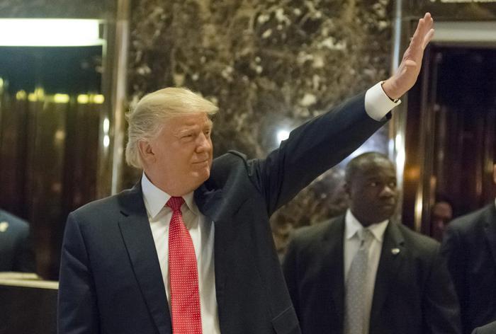 """Cia: """"Russia ha fatto vincere Trump"""""""