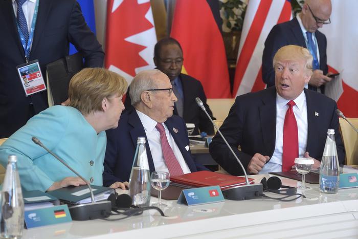Merkel liquida il G7: Trump e May inaffidabili