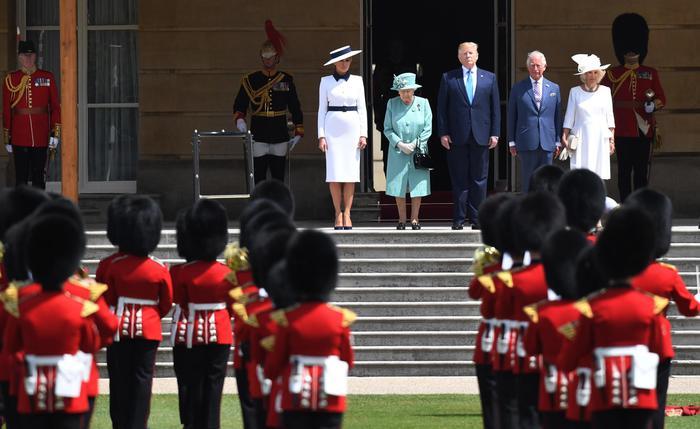 "Trump a Londra dalla Regina, il sindaco Khan? "" Un perdente"""