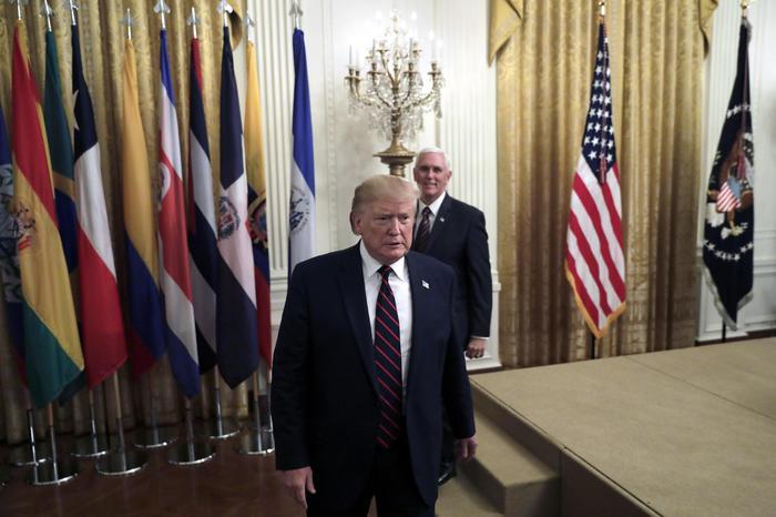 Usa, i Democratici puntano a votare l'impeachment a Trump entro novembre: per il presidente è una truffa