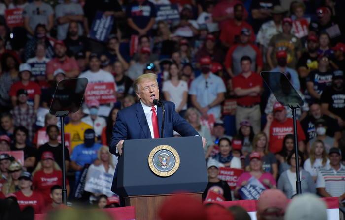 Movimento anti razzista contesta Trump dopo il comizio di Tulsa