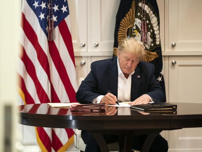 Usa, il medico della Casa Bianca: Trump non è ancora fuori pericolo