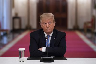 Usa, Trump difende medico a favore dell'idrossiclorochina contro il covid