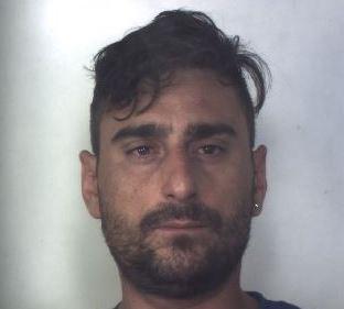 Arrestato a Siracusa un aiuto cuoco: è accusato di una serie di truffe